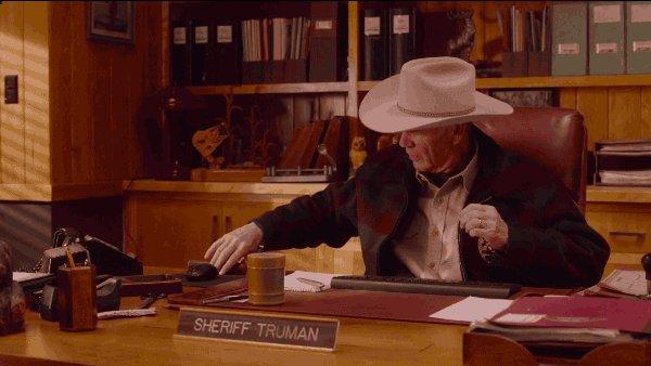 Happy Birthday Robert Forster - Sheriff Frank Truman in Twin Peaks Season 3