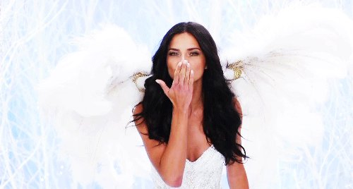 Happy birthday to an icon, a bombshell, amazing Adriana Lima  she never disappoints