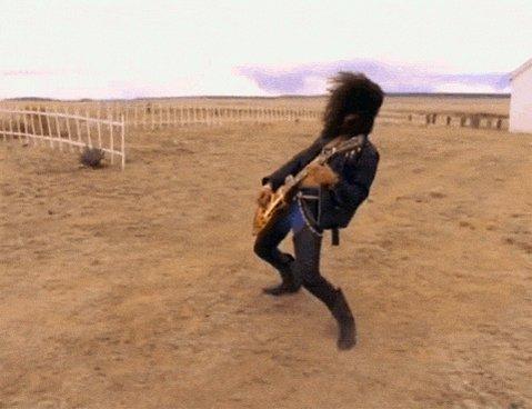Confessa: você sabe cantar todos os solos de guitarra dele. Happy birthday, Slash!