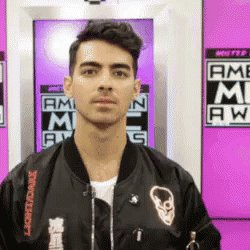 We ma oggi è il compleanno di joe jonas  HAPPY BDAY BIGGEST CELEBRITY CRUSH DELLE MEDIE