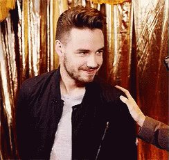It s officially midnight in the east coast so i can now say HAPPY BIRTHDAY LIAM PAYNE!!!!! LOVE YOU LOTS
