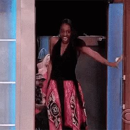 RT @allthatgoId: me clocking in to work late because I was in my car buying iggy's meet and greet tickets hjdgsjdjsj https://t.co/OQQND9VRpm