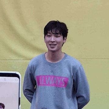 네?? 안들리세요?? (한발짝 앞으로)  #박강현 #웃는남자