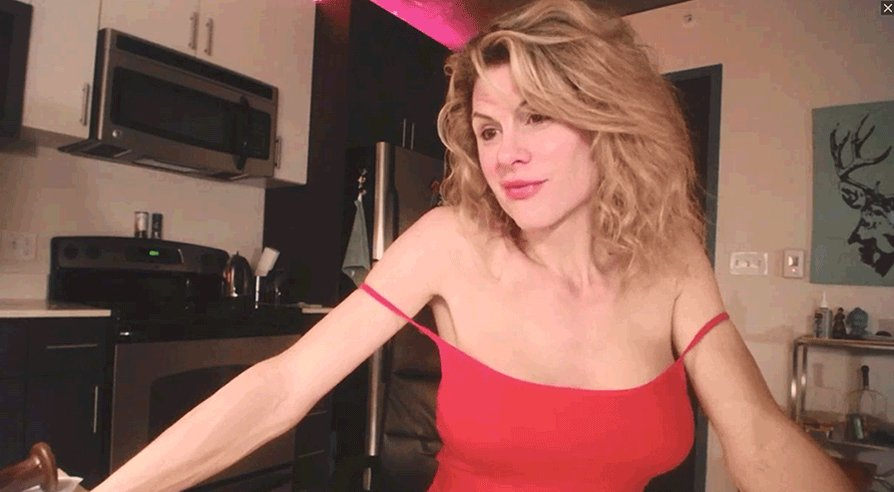 Can you make my wife smile? She's live on cam now if you want to try >> AjOSojz44g