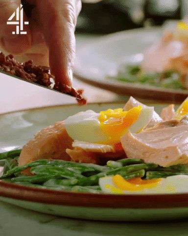 Flake the salmon over the coated green beans, arrange the eggs on top & dot over remaining chopped olives. ???? https://t.co/xtizSm9tep