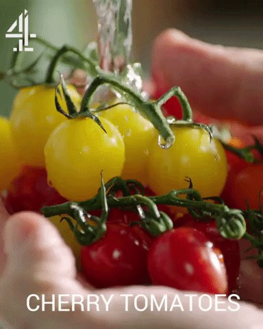 Halve the cherry tomatoes... ???? https://t.co/EKNwjyZg3W
