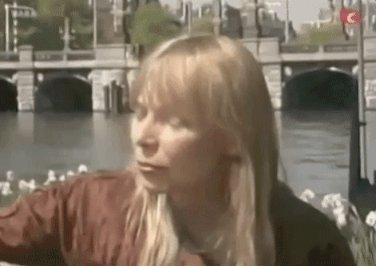 Happy birthday, Joni Mitchell <3