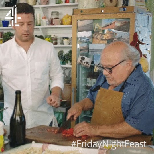 Why knife skills are important. ???? #FridayNightFeast https://t.co/ODbSdFS6gh