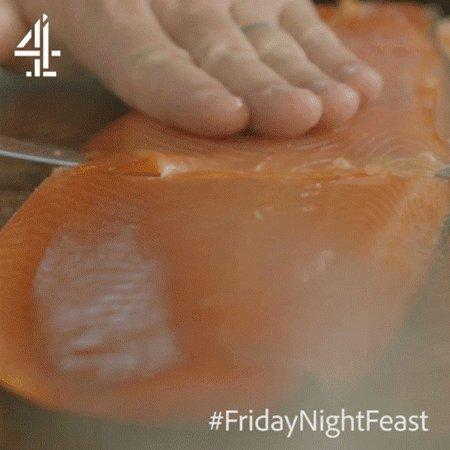"""Use the length and rock it, slowly but surely…""   Are we still talking about salmon, Jamie?! ???? #FridayNightFeast https://t.co/MAdbDmFanw"