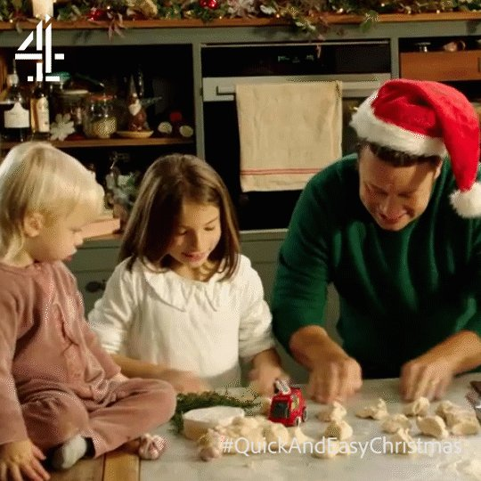 Who's quicker at rolling dough? Petal or Jamie?   #QuickAndEasyChristmas https://t.co/elvjOllYAY