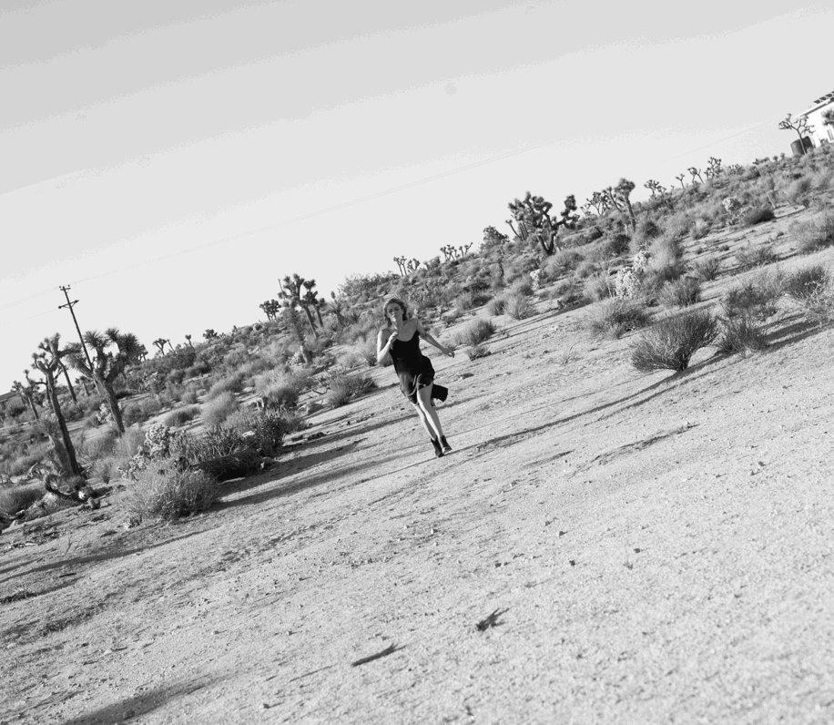 Running toward 2019 like.... #happynewyear #happy2019 #2019 #letsdothis @SaraHertelPhoto https://t.co/4SYrDEa3nO
