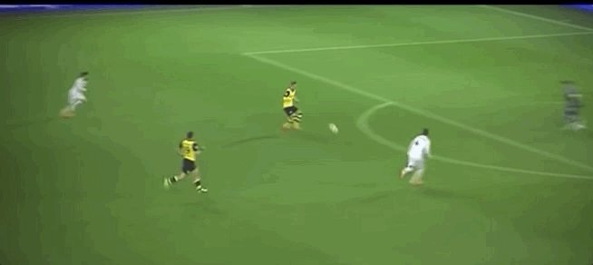 🐝🐝 BEST BVB GOALS OF ALL TIME 🐝🐝  Episode three: Marco Reus vs. Real Madrid 2014 ⚽️ https://t.co/PmfN2eN6XX