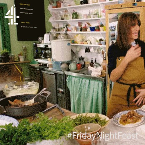 When you know you've cooked a REALLY delicious dinner…   @ThisisDavina #FridayNightFeast https://t.co/YrRDiLj6C0