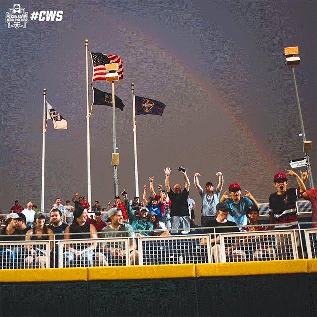 We'll call it rainbow row 🌈  #CWS https://t.co/5w0nNnhy0Q