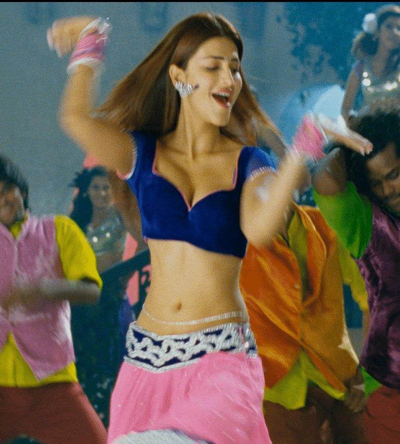 #ShrutiHaasan 💋😘 #ActressSexyGifs  #HBDShrutiHaasan #ShrutiHaasanSexyGifs  #HappyBirthdayShrutiHaasan