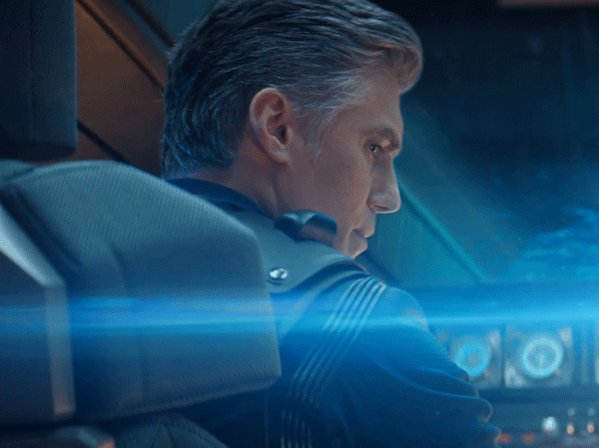 Happy birthday to @ansonmount, #StarTrekDiscovery's Captain Pike! https://t.co/aX0l7LoW9O
