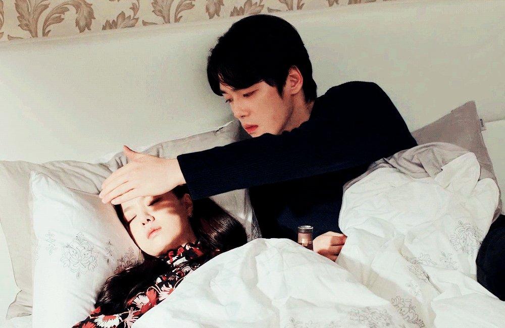 he took care of her in every way...🥺💗  #crashlandingonyou • #kimjunghyun • #seojihye