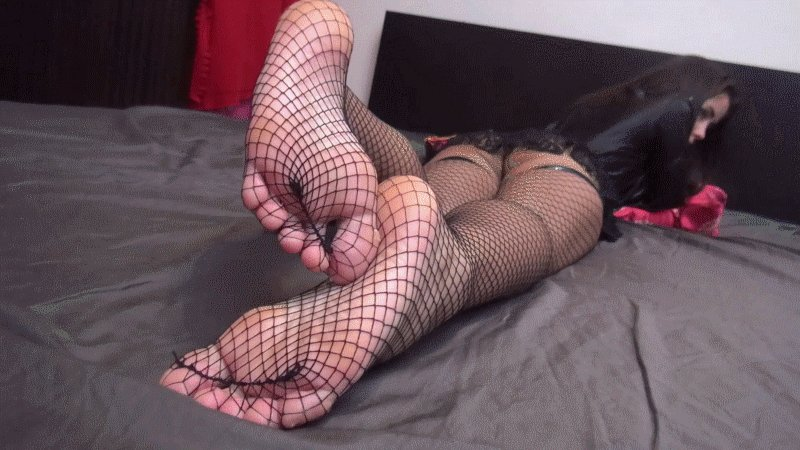 When you see Princess Alice's sexy feet in fishnets - prepare to be enslaved!  #Fishnets #FootFetish #Soles #FishnetsFriday #C4S RT