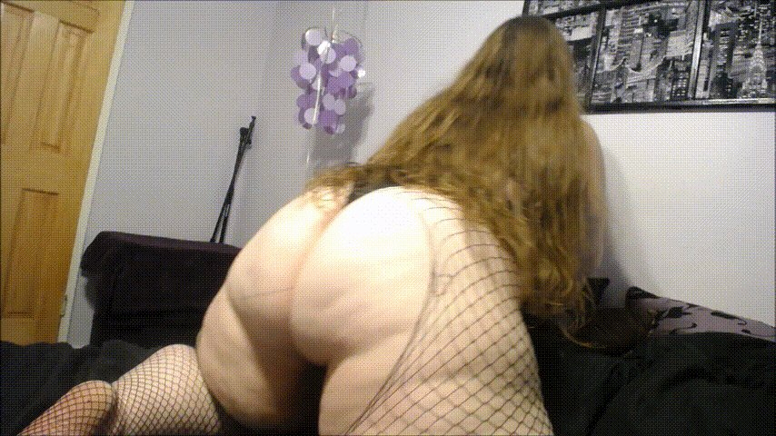 Nothing, repeat nothing, can contain this booty!  #Fishnets #BigButts #BBWAssWorship #ClothesDestruction #FishnetsFriday @CurvyRedhead89 #C4S RT