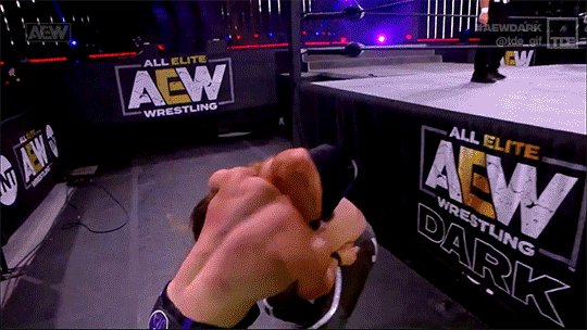 .@SilverNumber1 and @YTAlexReynolds wipe out Janela! #AEWDark  ➡️