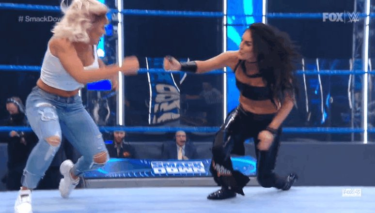 👀 @WWE_MandyRose #SmackDown