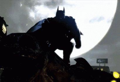 «Gare à la cour des hiboux, qui d'en haut scrute Gotham, Au tribunal des chouettes, qui sait tout de nos âmes, car par-delà les murs, il entend chaque mot. Gare à son bras armé, gare à son émissaire dont le nom est l'ergot.»