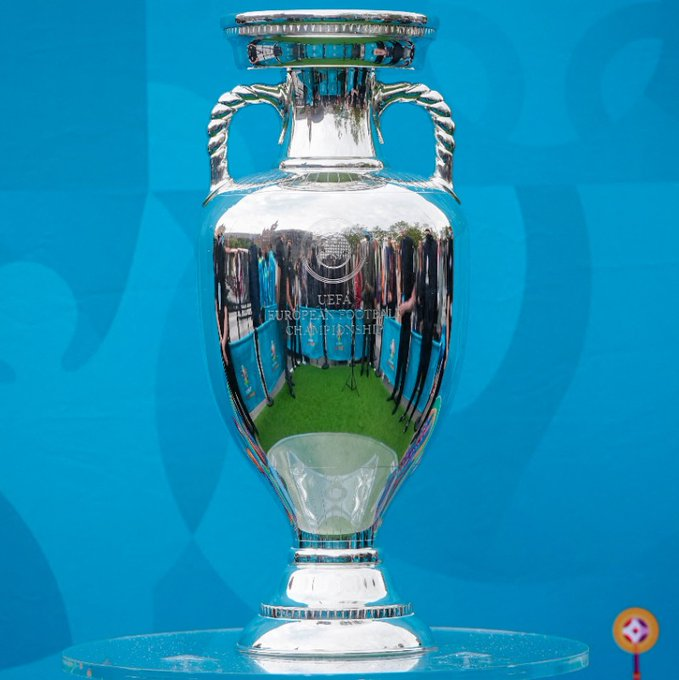 FOOTBALL CHAMPIONNAT D'EUROPE  2021 - Page 4 WzEzM8wC?format=jpg&name=small