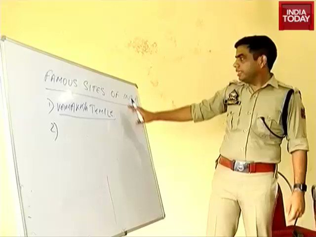 Jammu SSP @Sandeep_IPS_JKP's 'Operation Dreams' wins hearts. He provides free coaching to UPSC aspirants.#ITVideoMore videos: http://bit.ly/it_videos