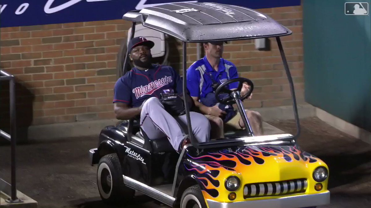 Fernando Rodney couldn't be more relaxed riding the bullpen cart. https://t.co/hUrsl6epCu