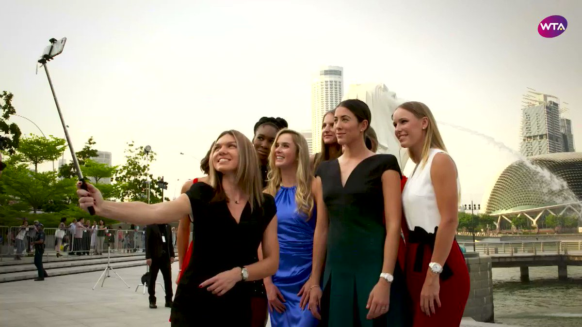 """But first.....let me take a selfie!'  It's #SelfieDay so #tbt to the #WTAFinals 2017 Iconic Selfie! �� https://t.co/SXbIfMFo95"