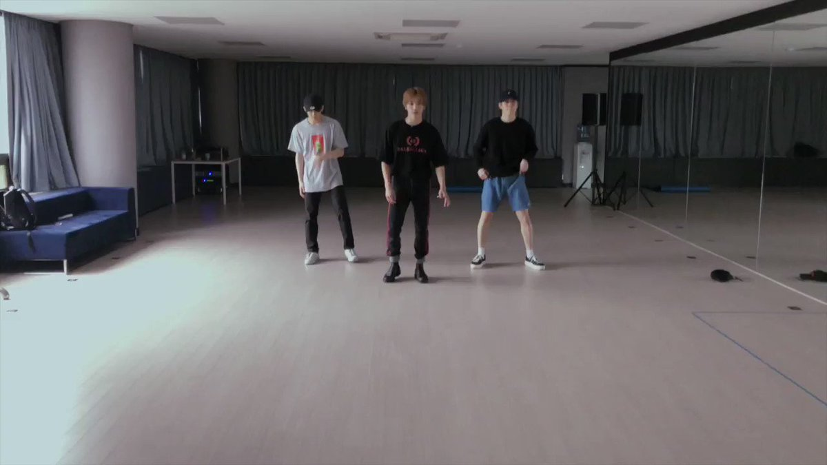 RT @nct_127: in case anyone forgot he also choreographed whiplash himself https://t.co/QTDcnz19HH
