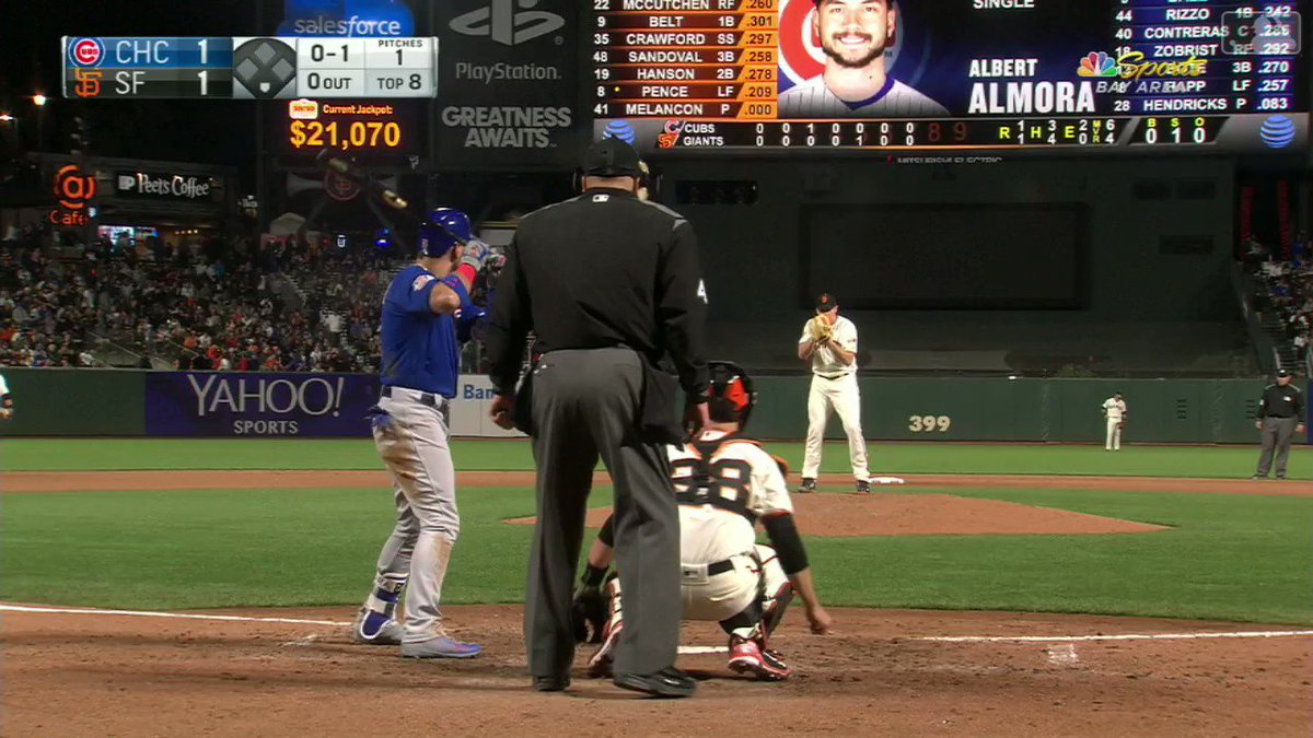 A routine play by @bcraw35 ��️   #SFGiants https://t.co/Bjpz0ZhAFC