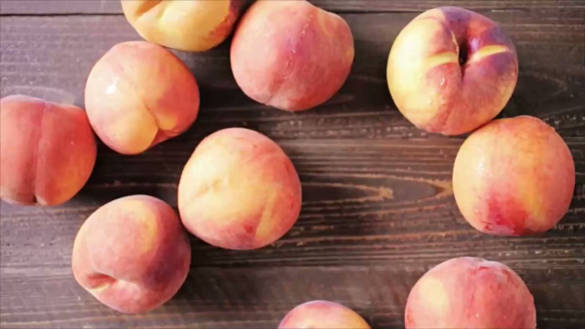 Peach desserts to make this summer: