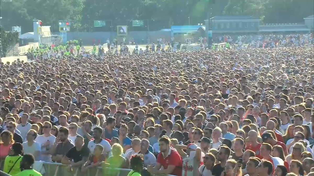 Hyde Park #ThreeLions https://t.co/JiUDnNPLkm