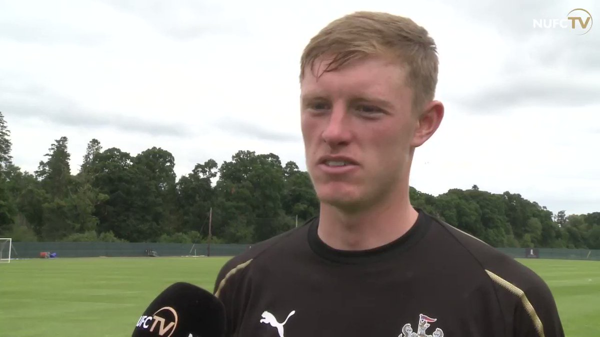 🎶 On his debut trip with the first-team squad, Sean Longstaff treated the players to a rendition of @justinbiebers Love Yourself - and told NUFC TV it was the scariest thing Ive ever had to do! Watch the full interview for free: nufc.co.uk/nufc-tv/latest… #NUFC