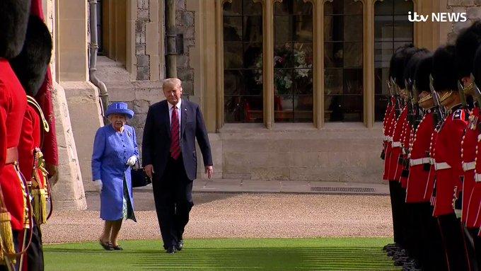 У своєму репертуарі: як Трамп Єлизавету ІІ збентежив (відео)