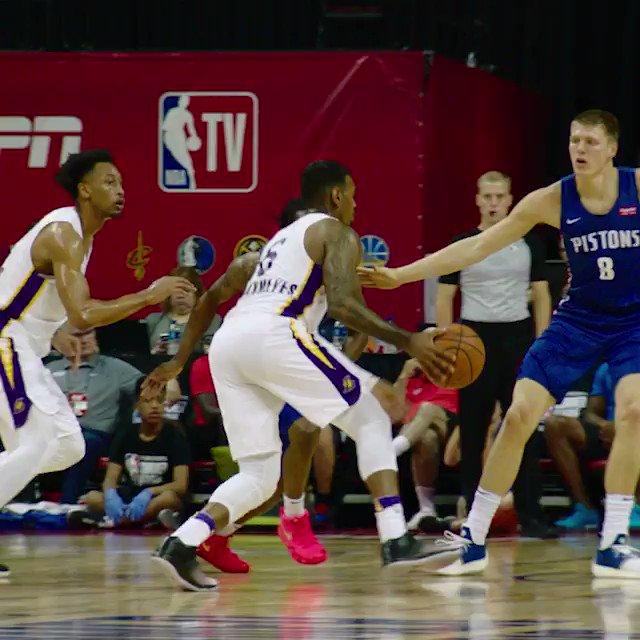 ������  The King approves of this BIG Johnathan Williams oop! #NBASummer https://t.co/Pv2ToEYLfs