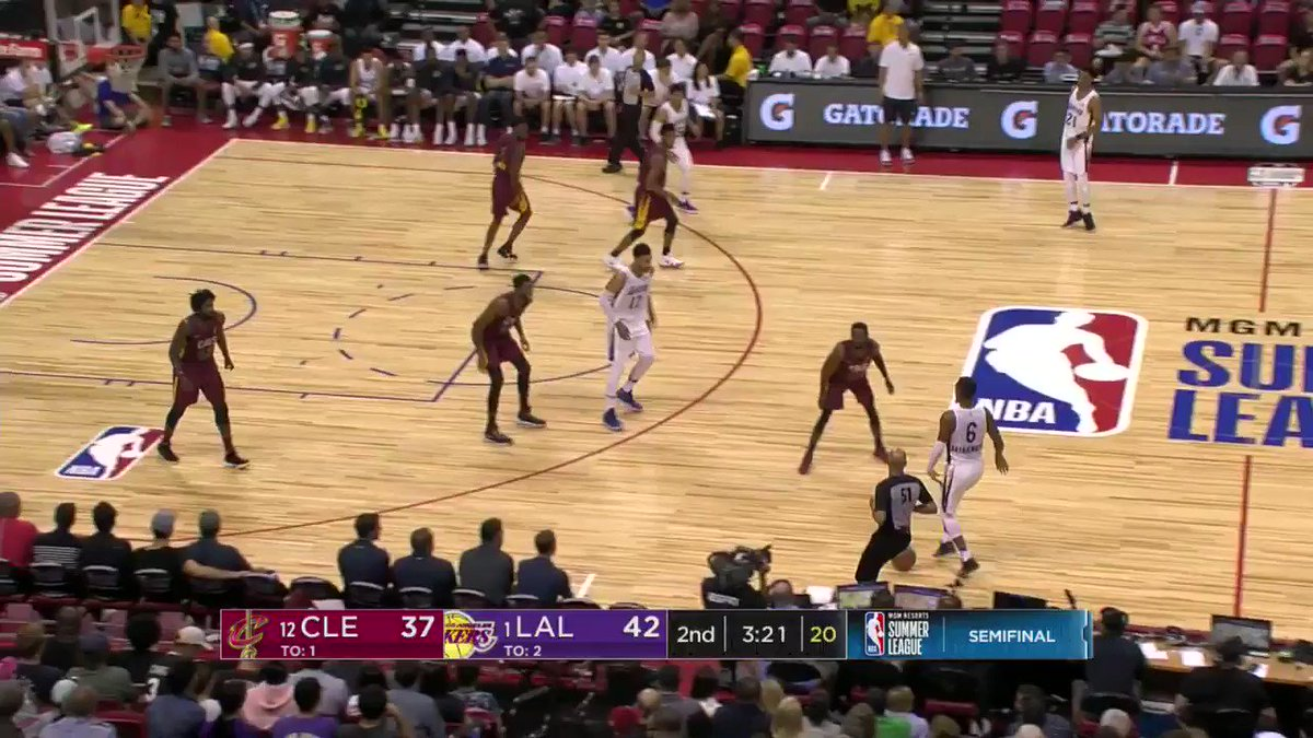 Josh Hart fires from deep and is up to 11!  #NBASummer on ESPN2 https://t.co/xjL1d8QSLS