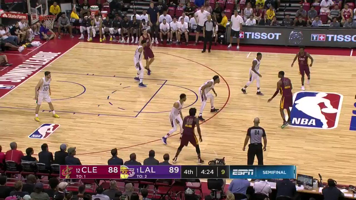 31 on the night...  Josh Hart turns defense into offense!  #NBASummer on ESPN2 https://t.co/1AE4ZhbcgV