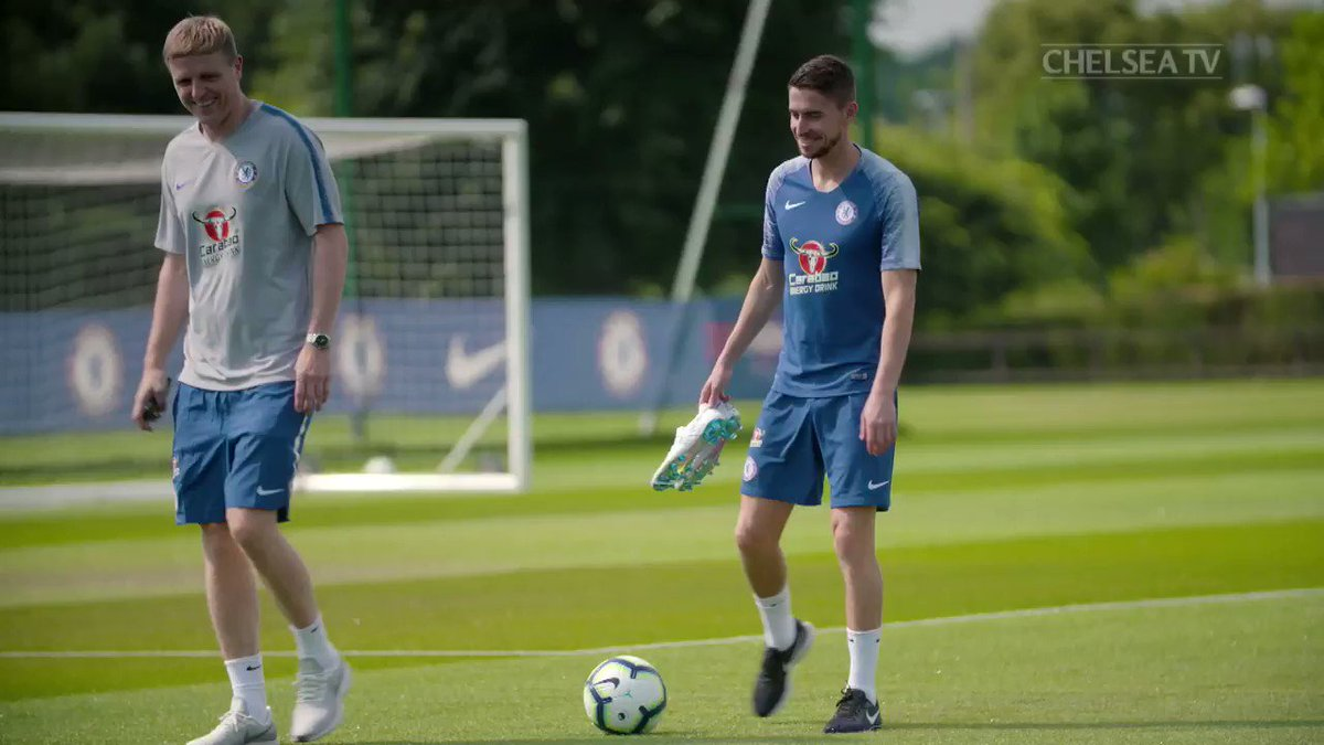 Check out Jorginho's first day at Cobham in the brand new Chelsea app! 👌   📲 https://t.co/zhGX5RrZrE