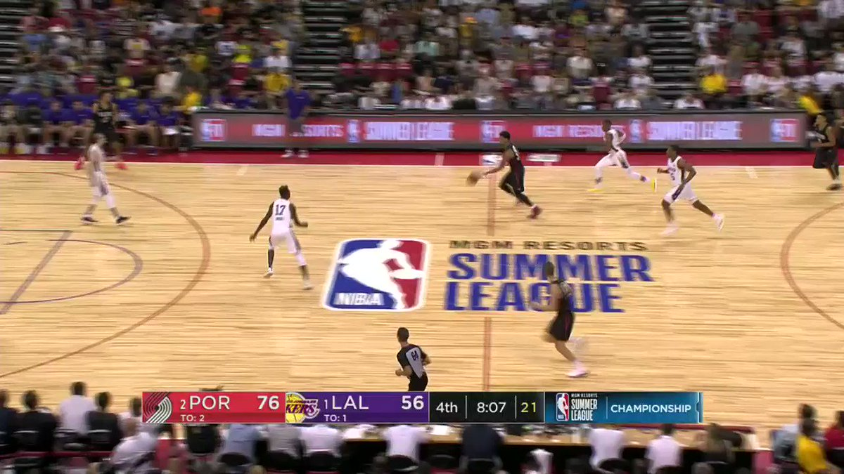KJ McDaniels WITH FORCE for the @trailblazers! #NBASummer https://t.co/9dUzw9UQuB