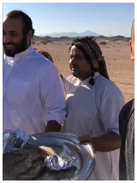 @AlArabiya_Eng  वीडियो: सोशल मीडिया # सऊदीअराबिया में अजीब रहा है वीडियो दिखाए जाने के बाद क्राउन प्रिंस # मोहम्मदबिन सैलमैन ने युवाओं के साथ # NEOM.https में लंच और समय का आनंद लिया: //english.alarabiya.net/en/media/digital/2018/07/31 / वीडियो- सऊदी- क्राउन- प्रिंस- मोहम्मद-मोंग- युवा-at-NEOM.html ...