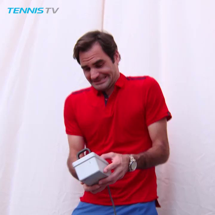 Opening your presents like... Happy birthday, @rogerfederer 🎁
