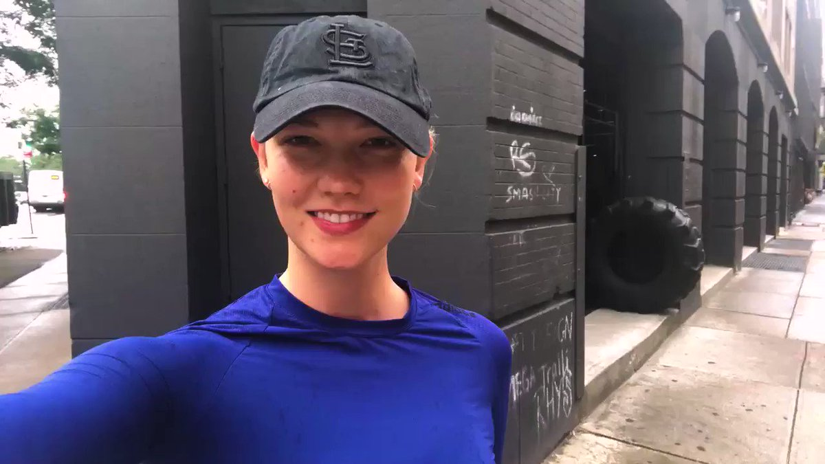 Image for the Tweet beginning: .@karliekloss, founder of @kodewithklossy, makes