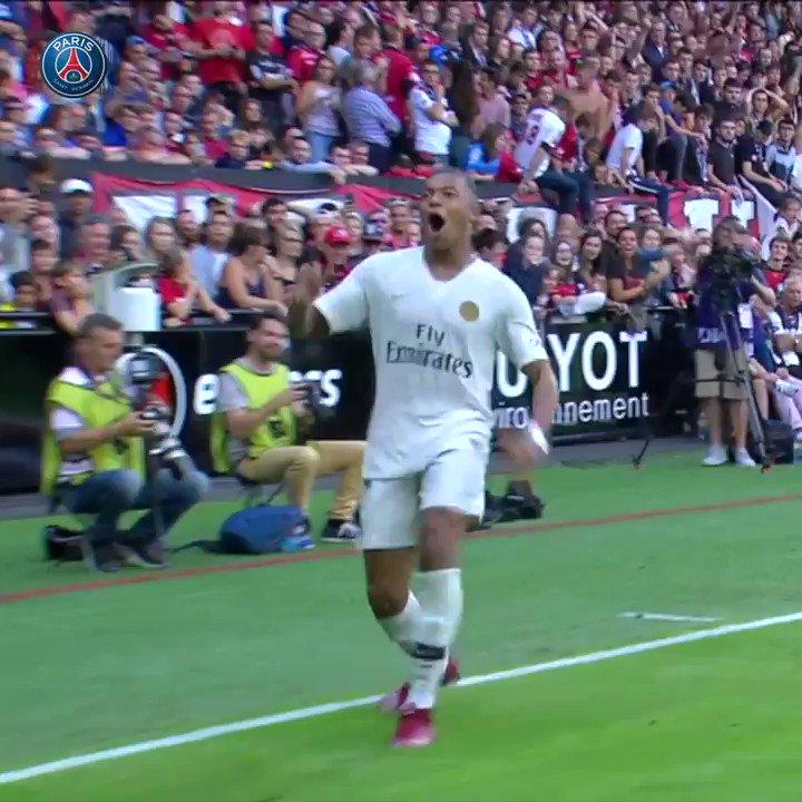 Mbappé 🇫🇷 🇧🇷 Ronaldinho 😍 ¡Qué preciosidad!
