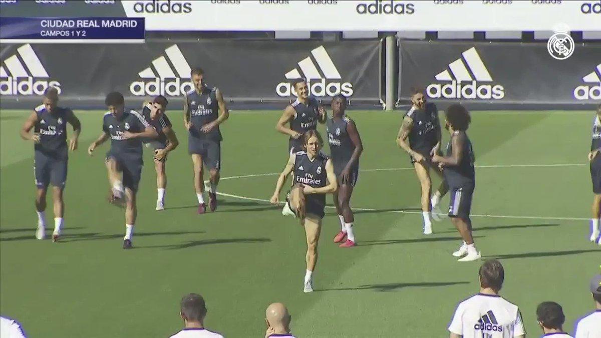 �� Nuestra última sesión de entrenamiento antes de enfrentarnos al @SevillaFC ya está en marcha... #RMCity | #RMTV https://t.co/3oWTPvgltX
