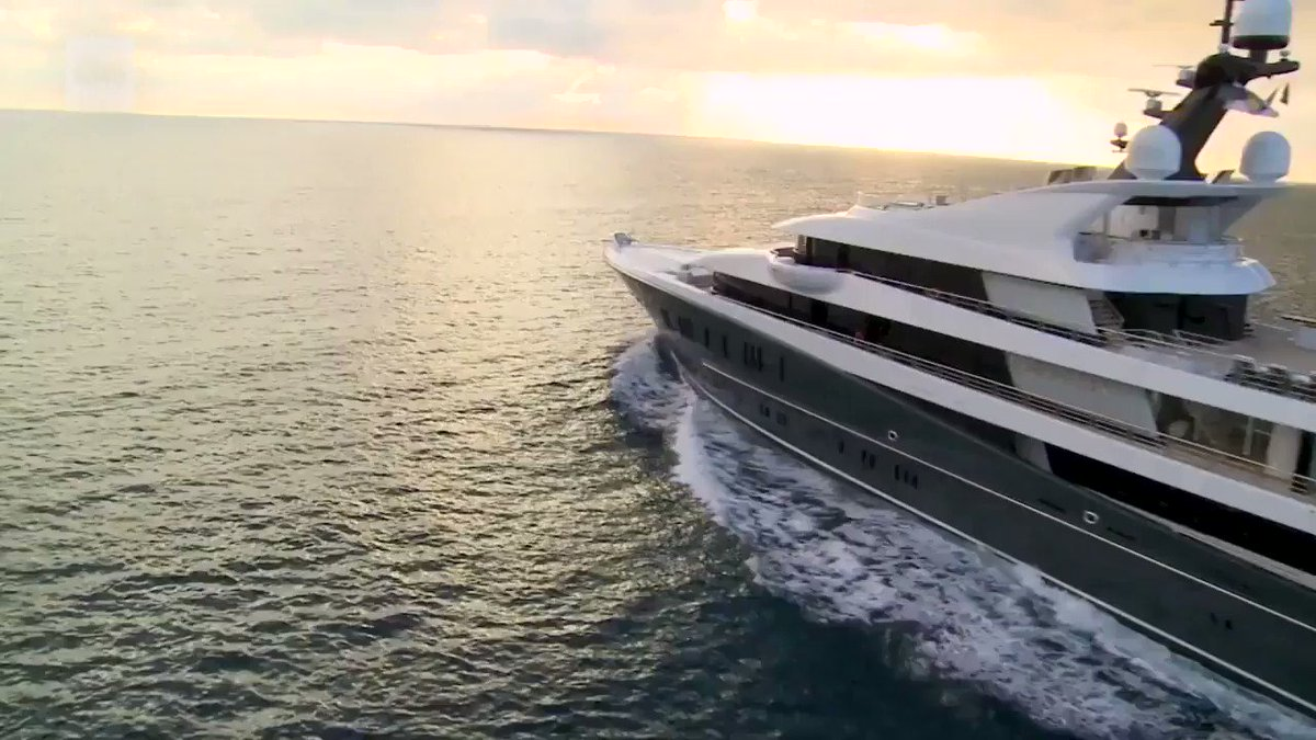 This is how a luxury superyacht is built https://t.co/mBQXOcI24m https://t.co/9DH7I0mPvb