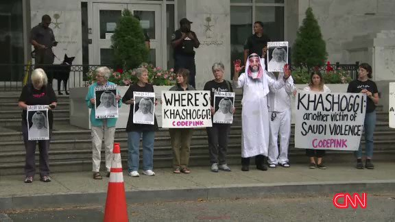 EARLIER: A rally is held outside the Saudi embassy for missing journalist Jamal Khashoggi https://t.co/jZbZpygY8J https://t.co/KFtMhlamPB