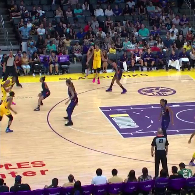 .@cgray209 with the @LA_Sparks DISH! �� #TeammatesPlay @AmericanExpress https://t.co/msa3MQpR6G