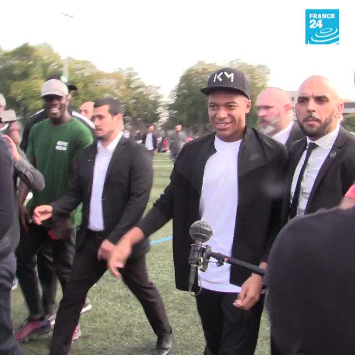 Que se passe-t-il quand Kylian #Mbappé retourne chez lui, à Bondy   - FestivalFocus